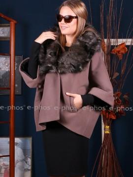 Късо дамско палто с красива яка