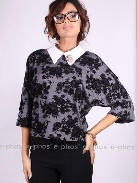 Дамска блуза със свободен силует и брошка на яката