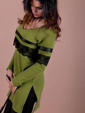 Дамски  пуловер от вълнено плетиво в зелен цвят