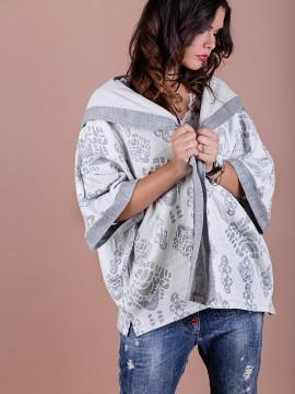Дамска жилетка с качулка от двойно тъкано плетиво