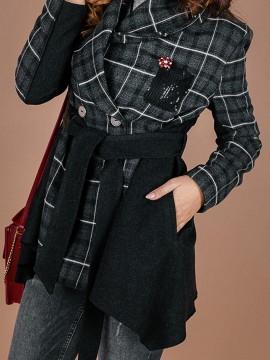 Дамско късо палто с раздвижена кройка -свободен силует