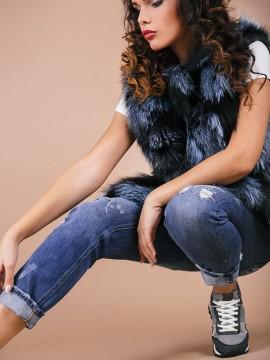 Дамски елек от естетствена кожа-сребърна лисица в синьо/черни нюанси