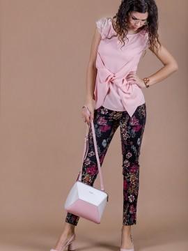 Дамски памучен панталон с цветен принт