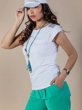 Дамска блузка в бяло