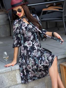 Дамска рокля с цветен десен