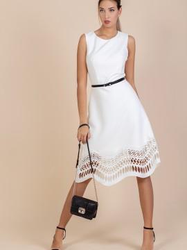 Стилна дамска рокля с лазерно разяна дантела