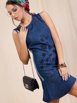 Дамска рокля от деним с бродерия