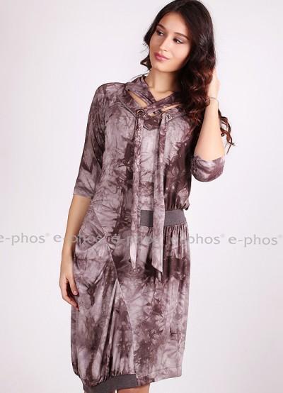 Дамска рокля с асиметрична кройка
