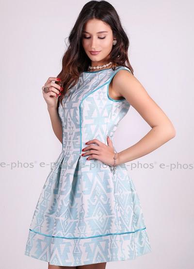 Разкроена дамска рокля от красив жакард