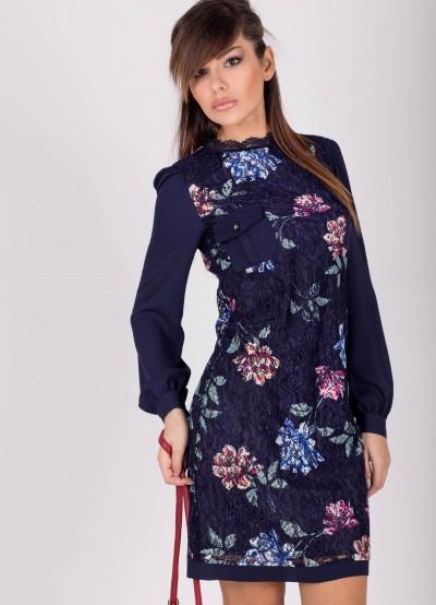 Дамска рокля от тъмно синя дантела с принт на цветя