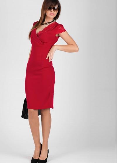 Елегантна дамска рокля в цвят малина