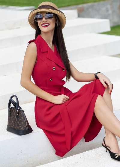 Стилна рокля с ревери и двуредно закопчаване