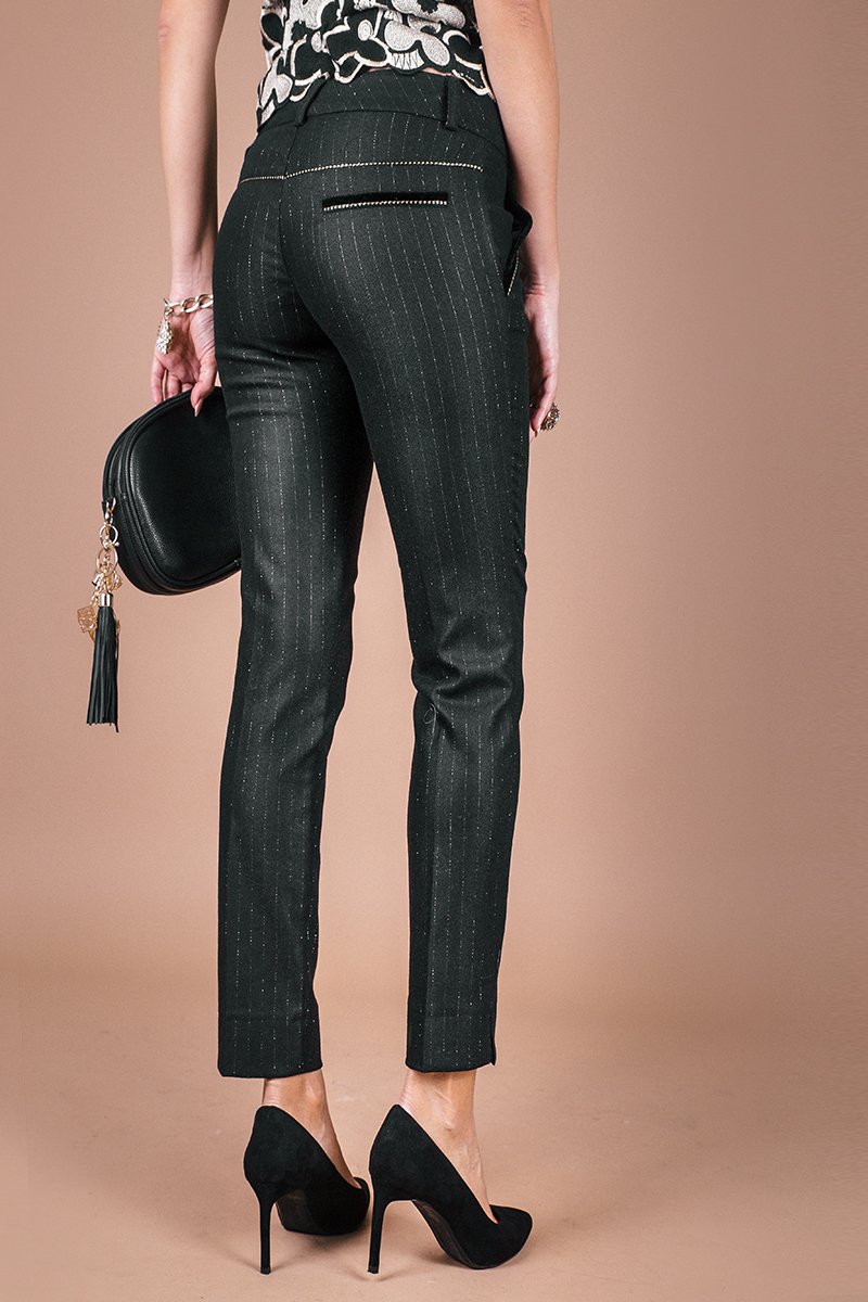 Елегантен панталон от фин вълнен плат със златисто райе