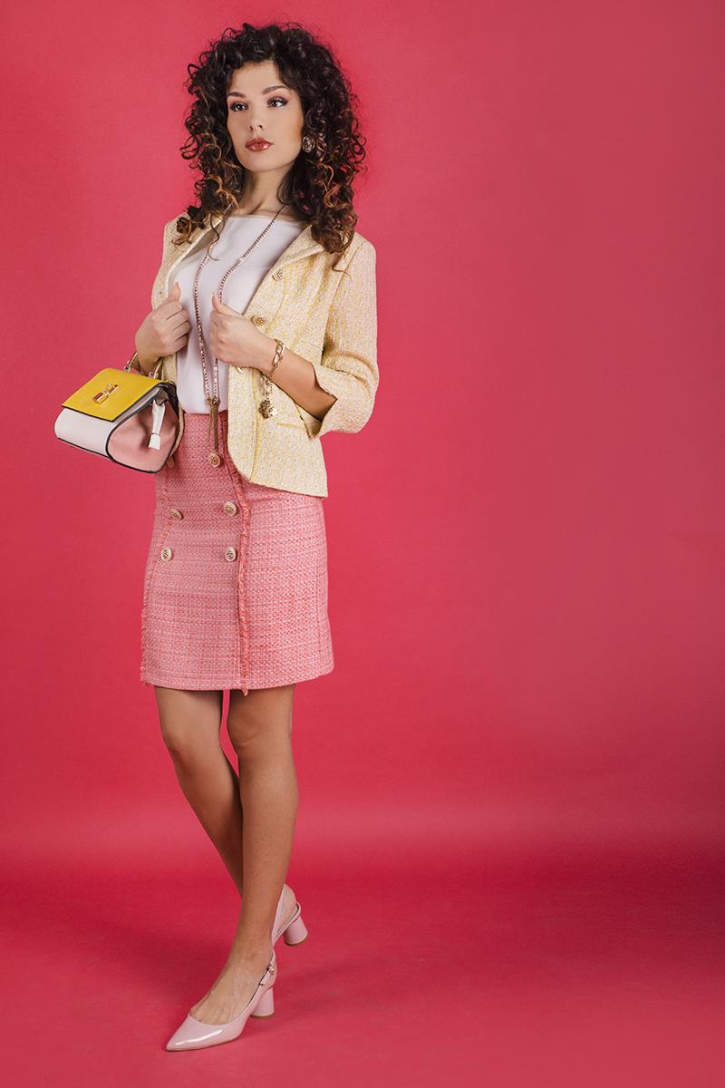 Дамска пола  от памучно букле в нежно розов цвят