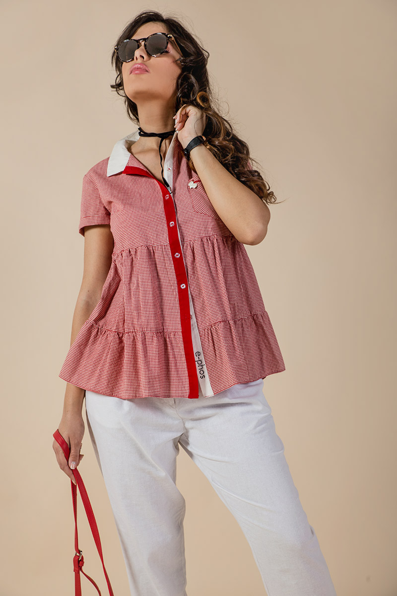 Дамска риза на волани от ситно каре