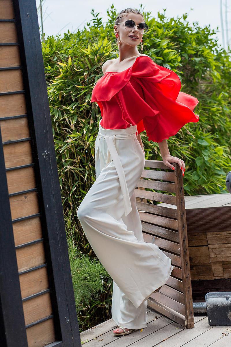 Ефирна дамска блуза на волани