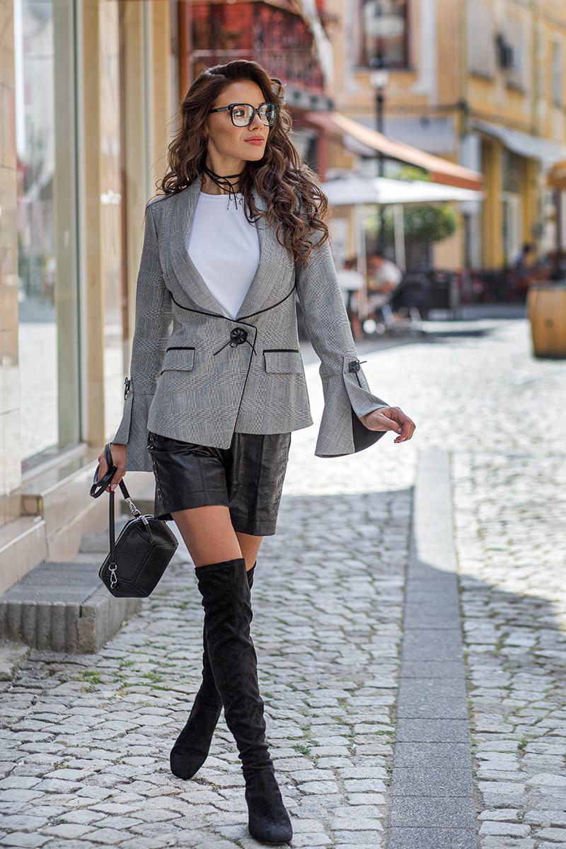 Дамско сако каре